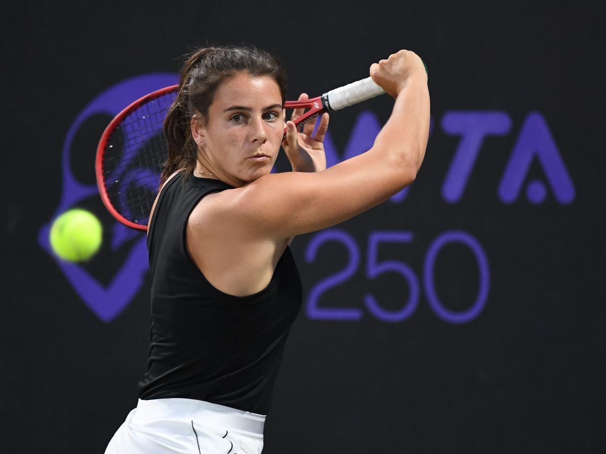 Navarro falls, top seed Jabeur advances at MUSC Health Women's Open