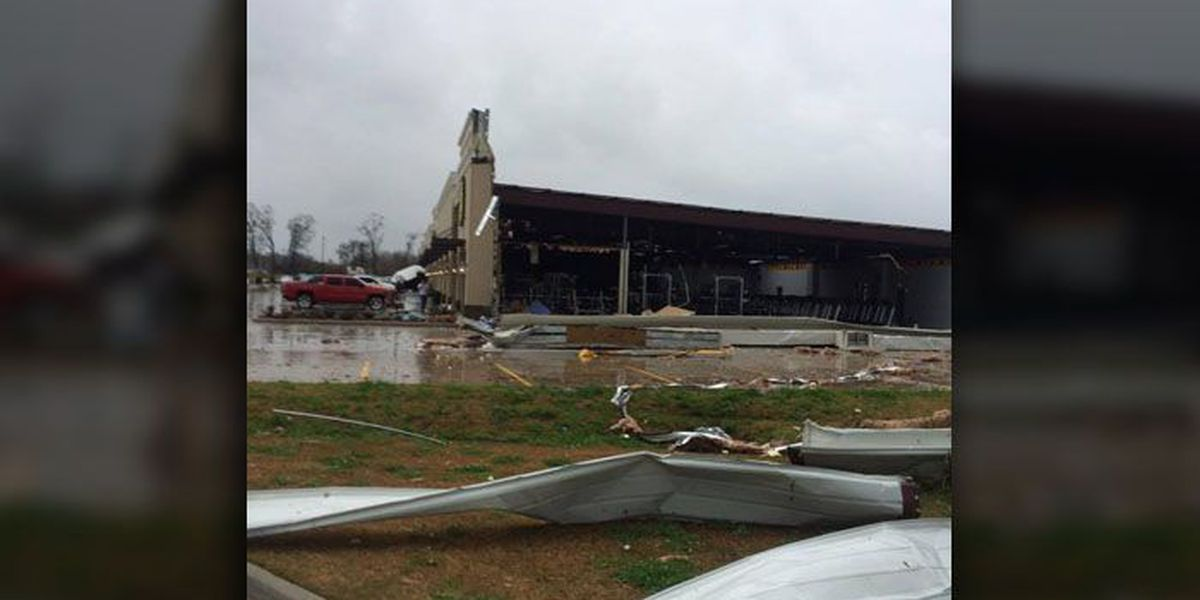 Officials: At least 7 tornadoes hit Louisiana and Mississippi, killing at least three
