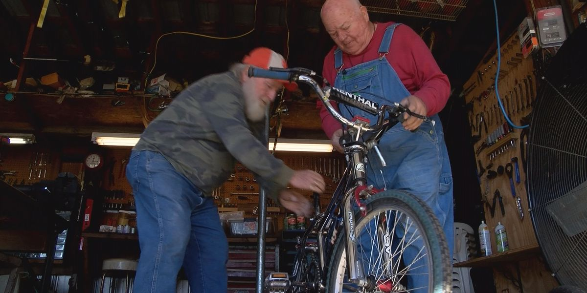 Two Fort Mill men repair hundreds of broken bikes for charity