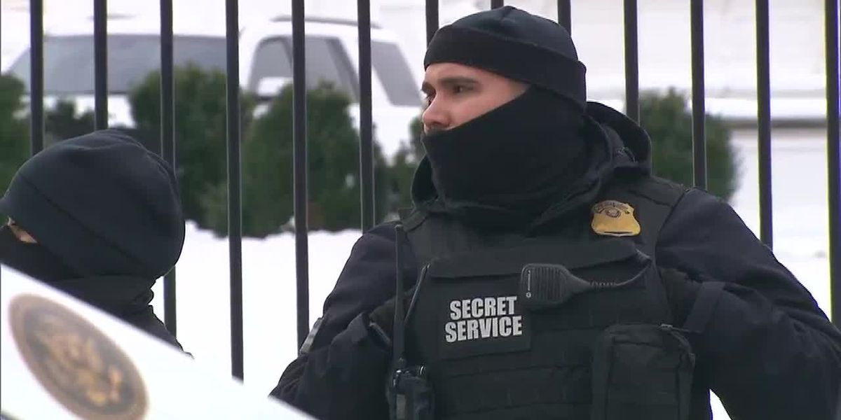 During shutdown, Secret Service agents absorb travel expenses while working without pay