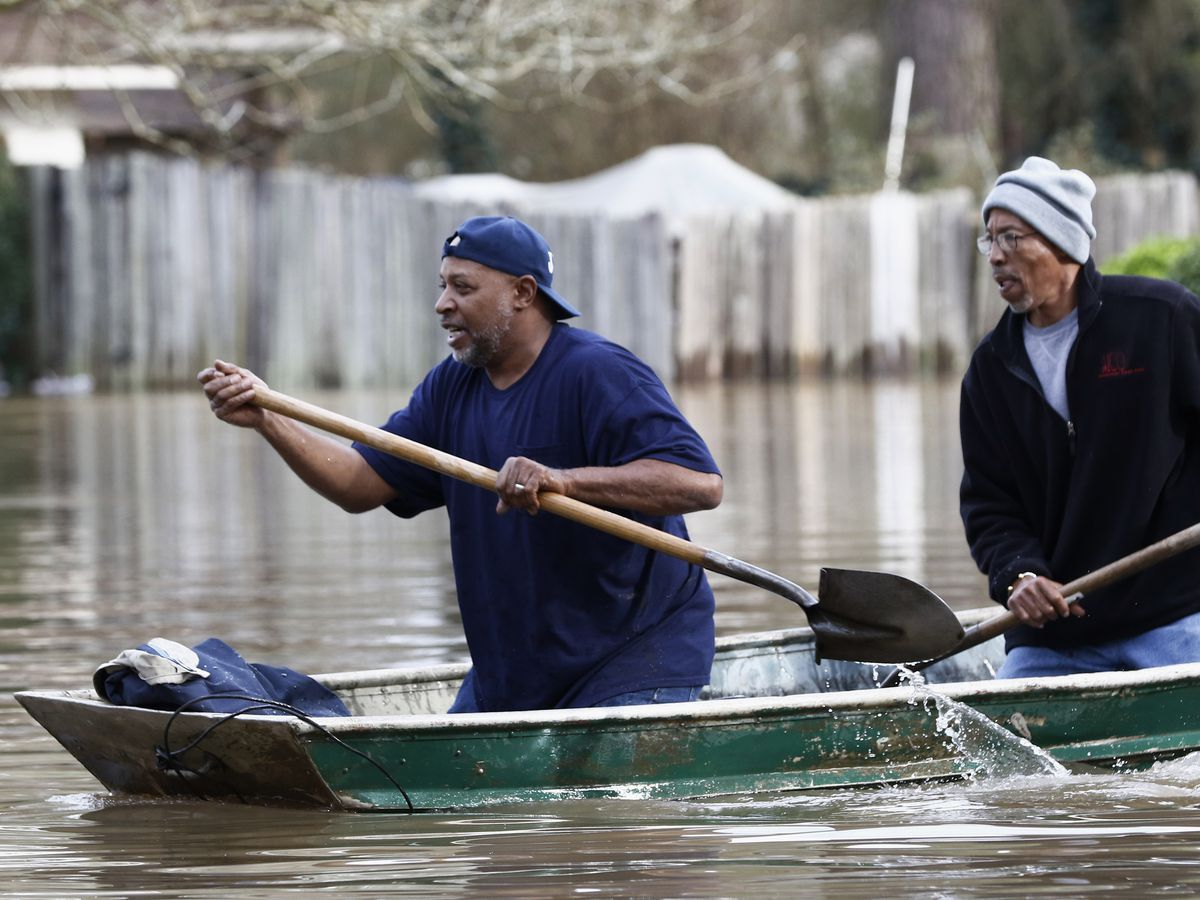Floods put Mississippi capital in 'precarious situation,' governor says