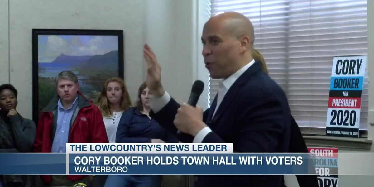 VIDEO: Cory Booker talks voter engagement, Iran strike in Colleton Co. town hall