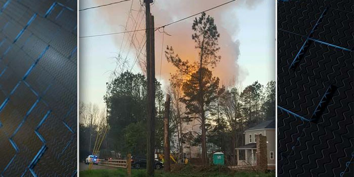 Man injured in Summerville mobile home fire