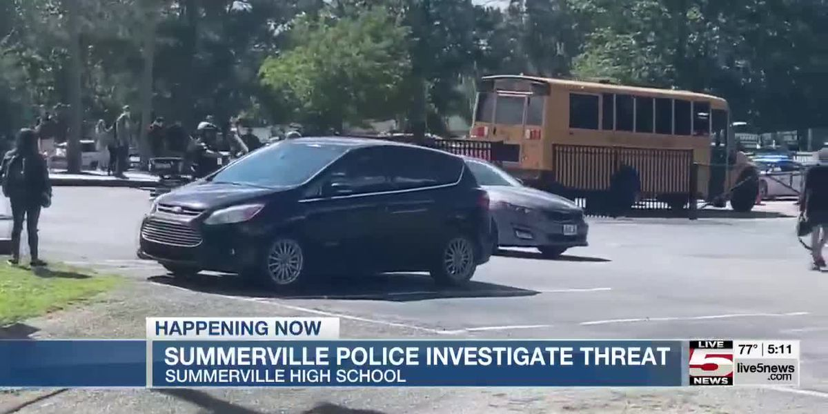 VIDEO: Police respond to Summerville High School after threat called in