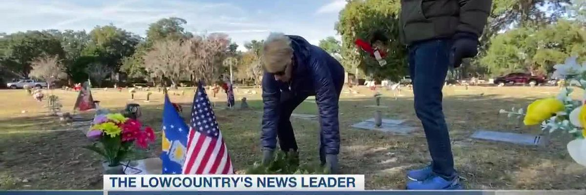 VIDEO: Annual Wreaths Across America ceremony honors veterans and their families
