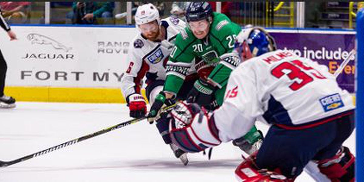 Stingrays Grind Out 3-2 Victory Over Blades
