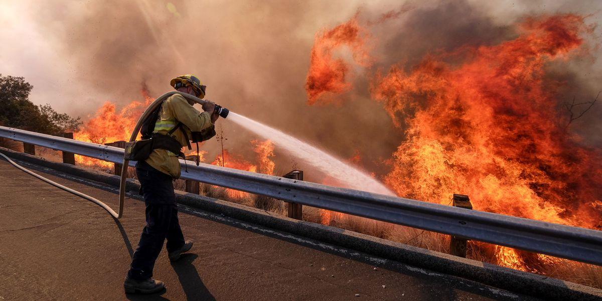 Returning winds have Southern California firefighters wary