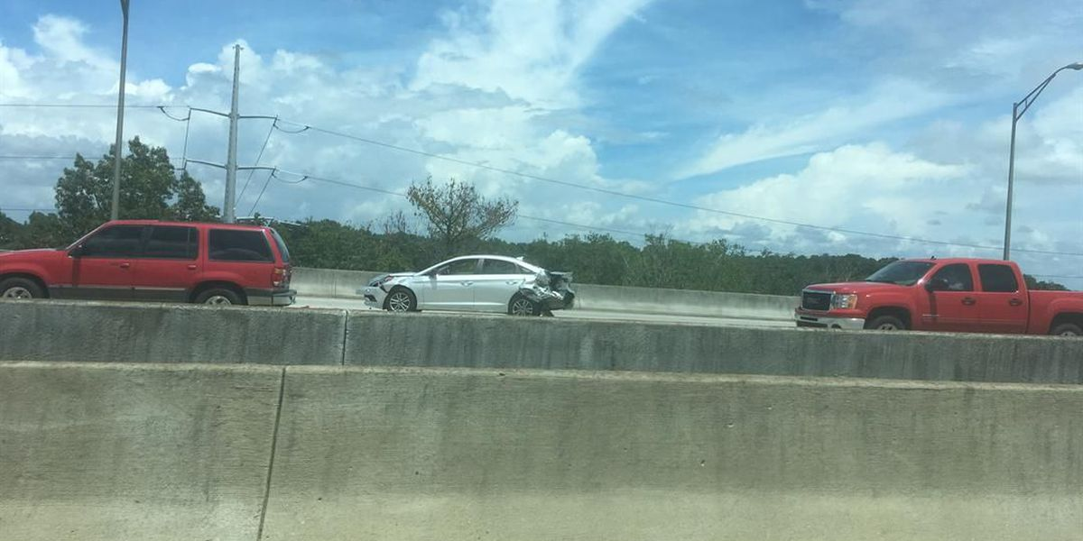 Wreck cleared on I-526 WB, traffic moving again