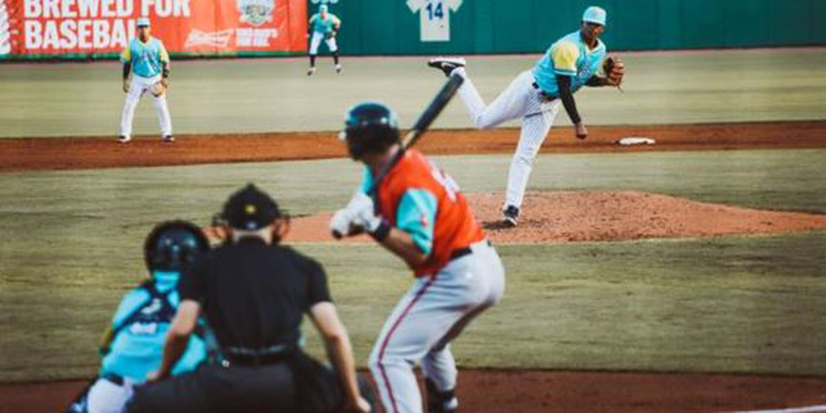 Big Eighth Downs Los Perros Santos, Dogs Settle for Series Win