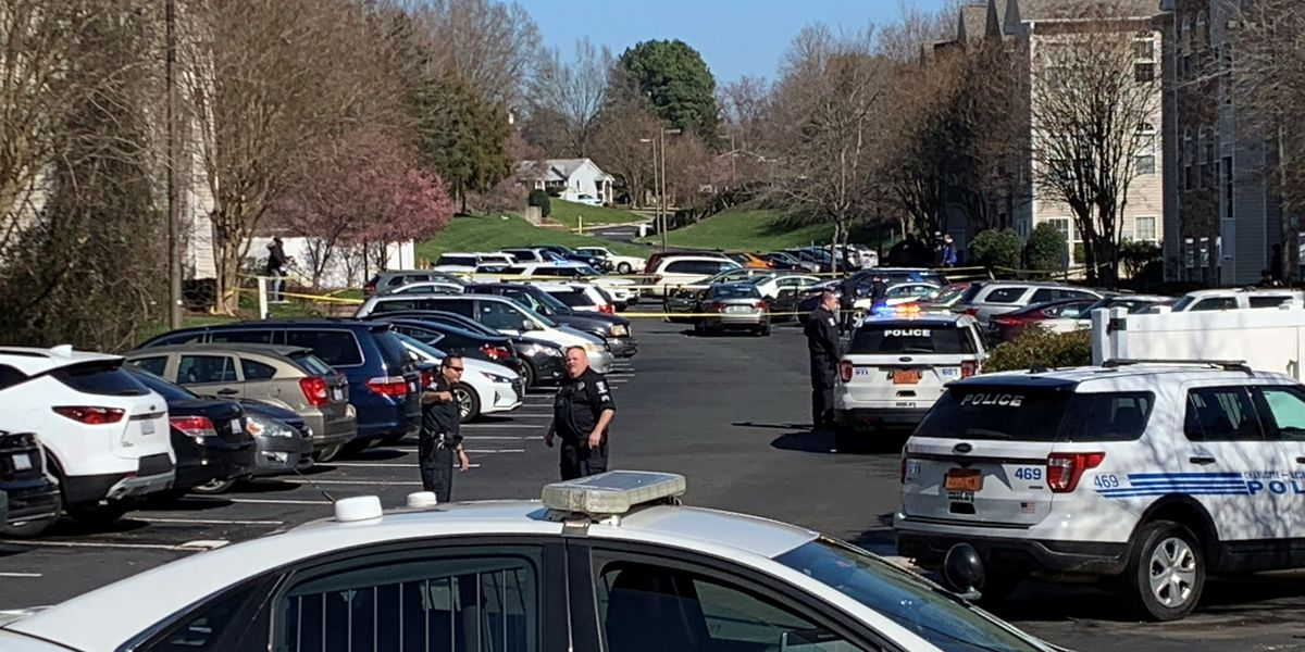 """""""Multiple people"""" shot at northeast Charlotte apartment complex, police say"""