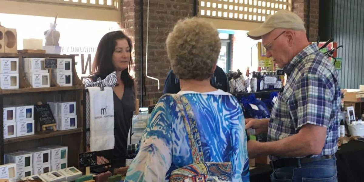 Charleston City Market reopens after flooding from Irma