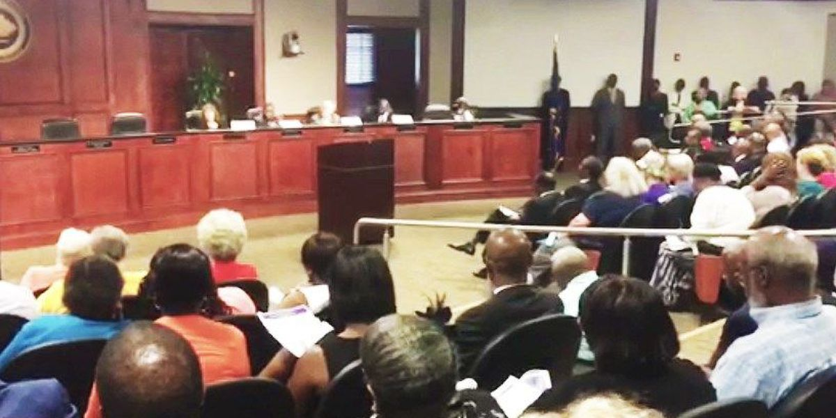 Jim Clyburn hosts town hall on affordable housing in N. Charleston