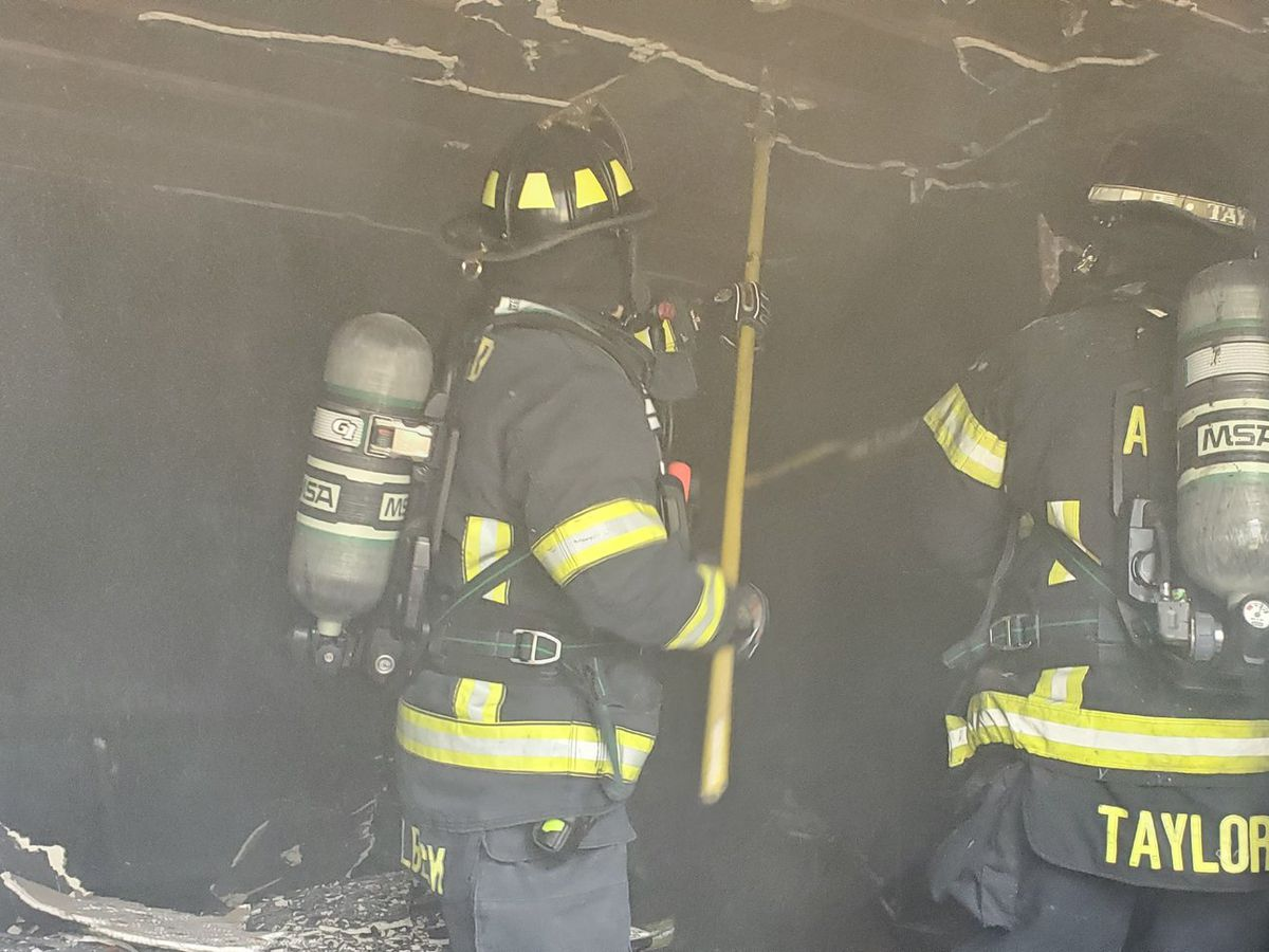 Crews clear Awendaw house fire
