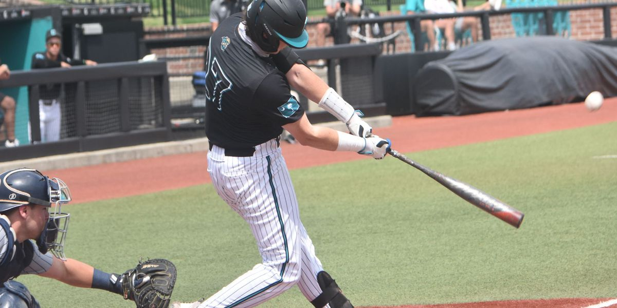 Chants Homer Past Eagles in Sunday Series Finale Win