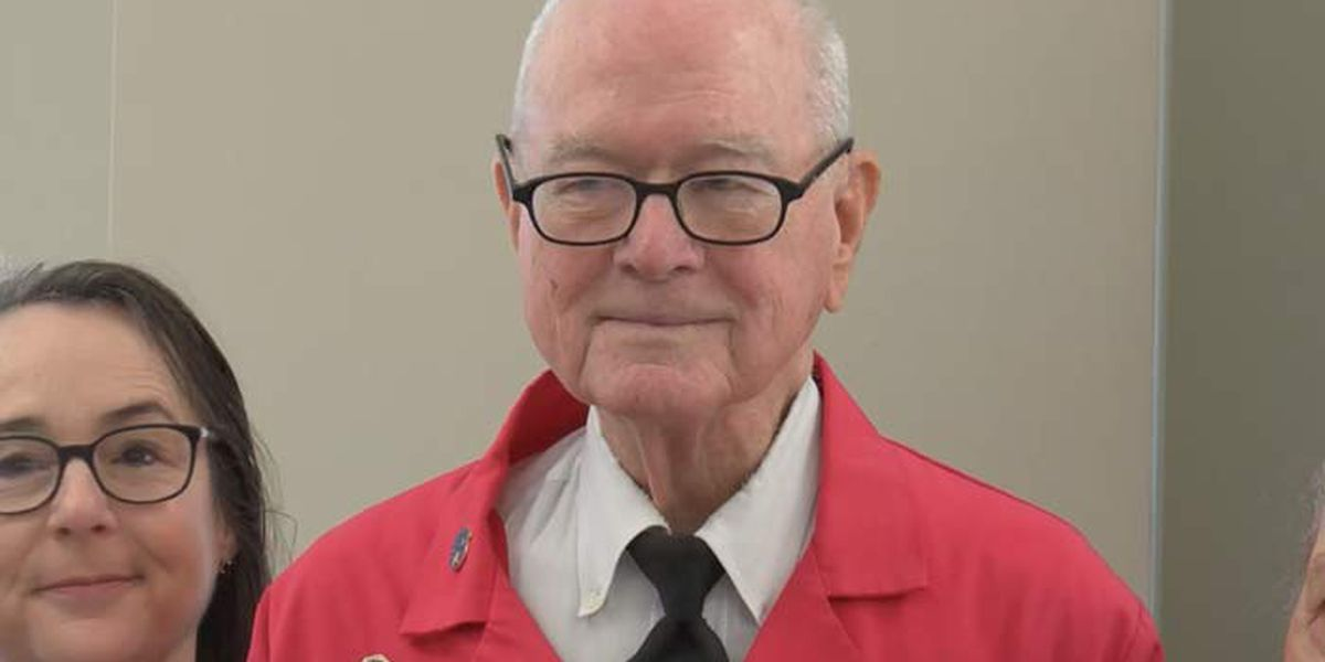 Veteran who has logged more than 7,000 hours retires as East Cooper Medical volunteer