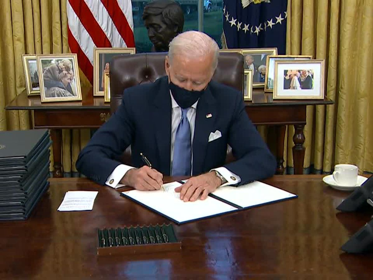 Biden puts forth virus strategy, requires mask use to travel