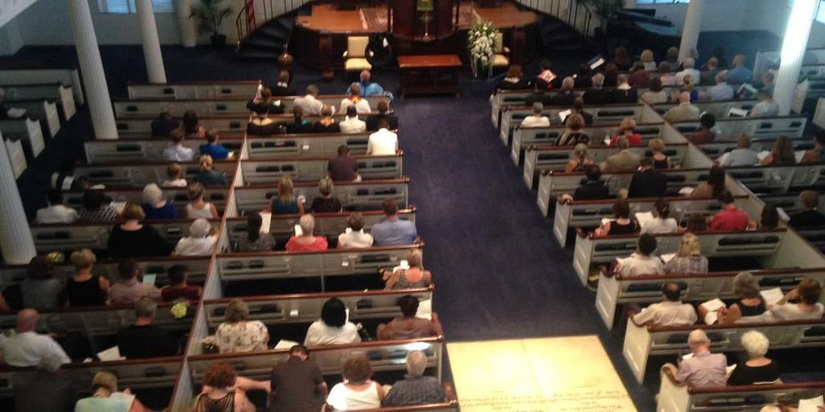 Hundreds gather at Emanuel AME to honor victims