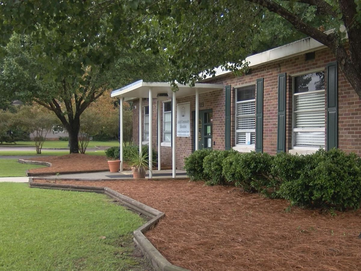 Berkeley Co. School District considers demolishing some buildings and classrooms to save money
