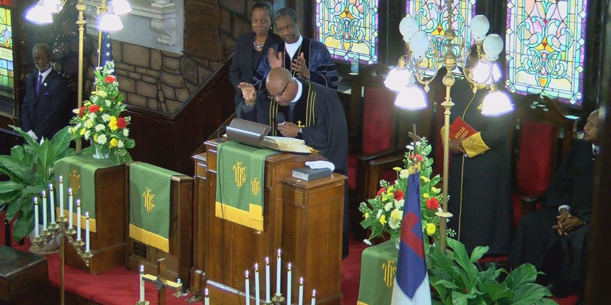 New pastor at Emanuel AME, Rev. Eric Manning, delivers first sermon