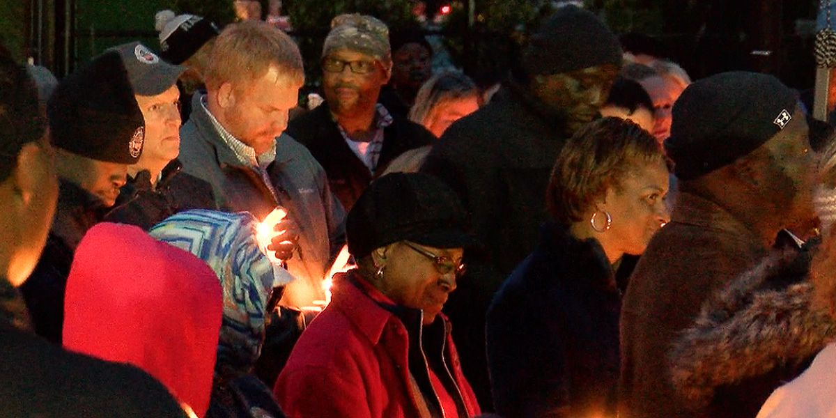 Bluffton community holds vigil for 5-year-old killed in accident at Christmas parade