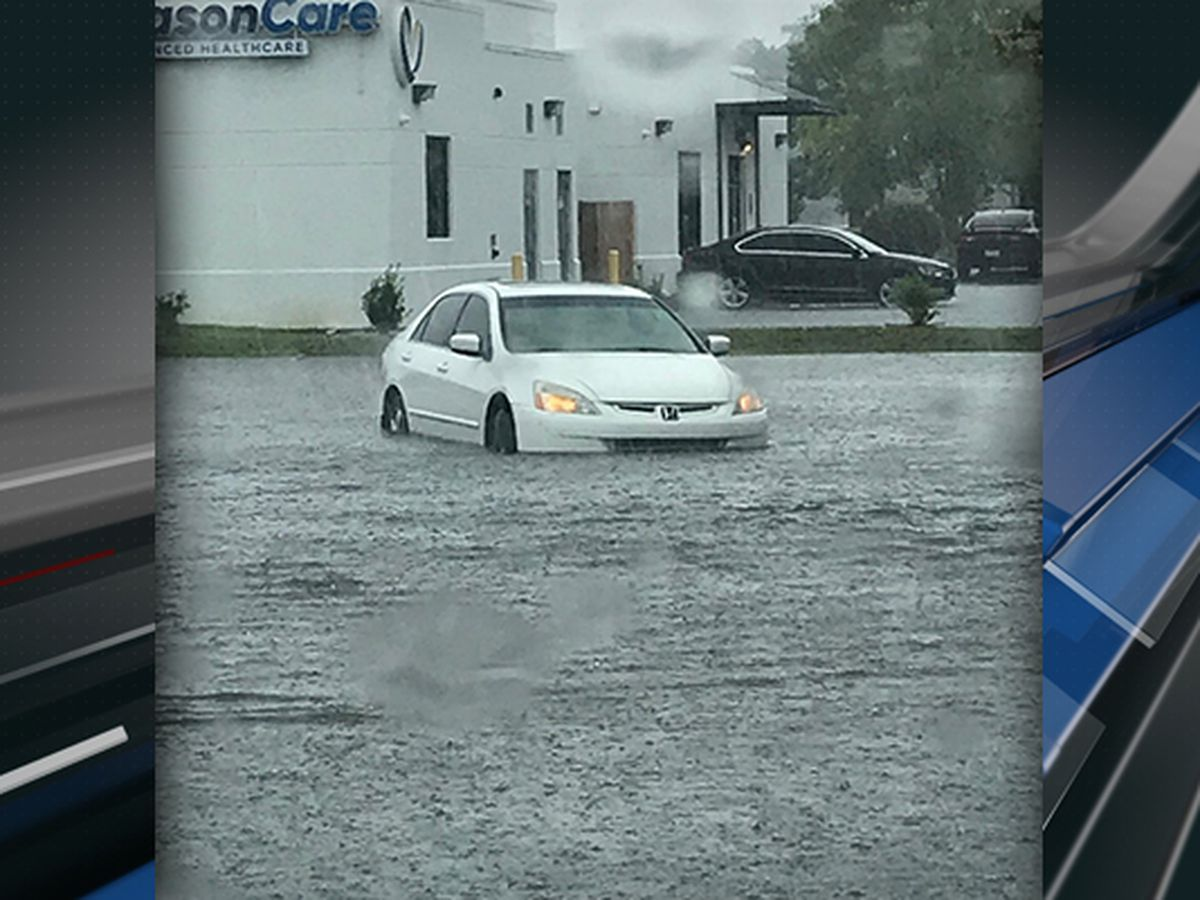 Flooding reported in Berkeley and Charleston counties