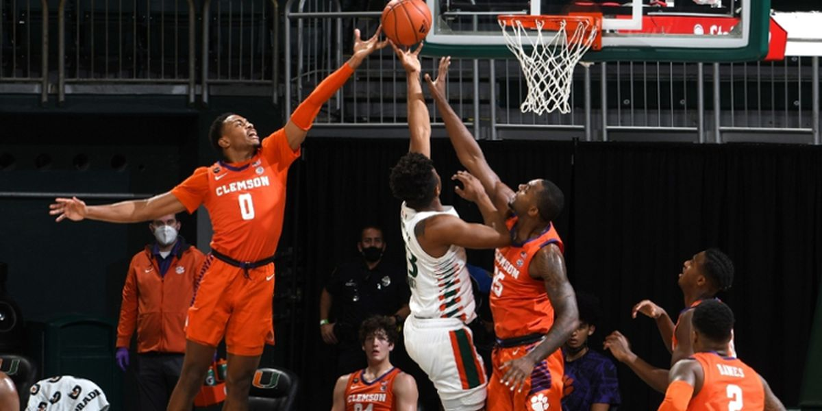 Simms Banks in Game-Winner as Tigers Down Hurricanes