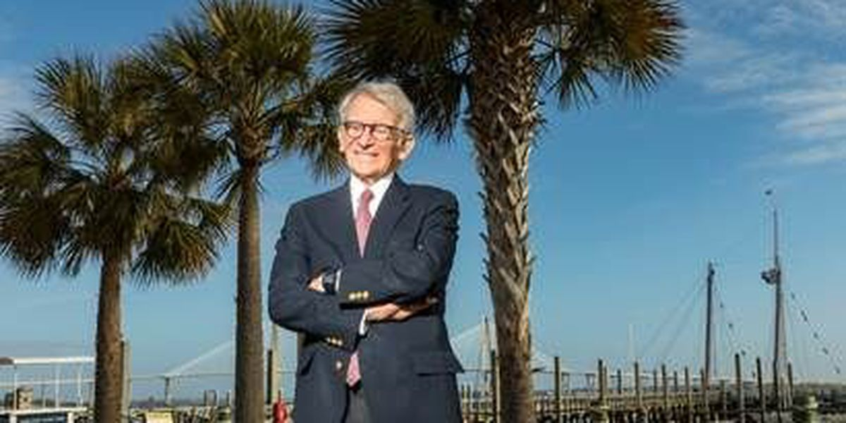 Former Charleston mayor teaches class explaining inspiration for African-American Museum
