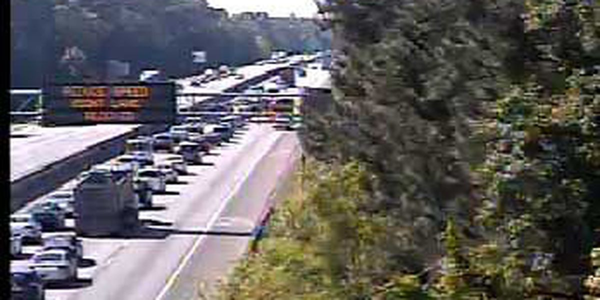Crews clear WB I-26 accident in North Charleston