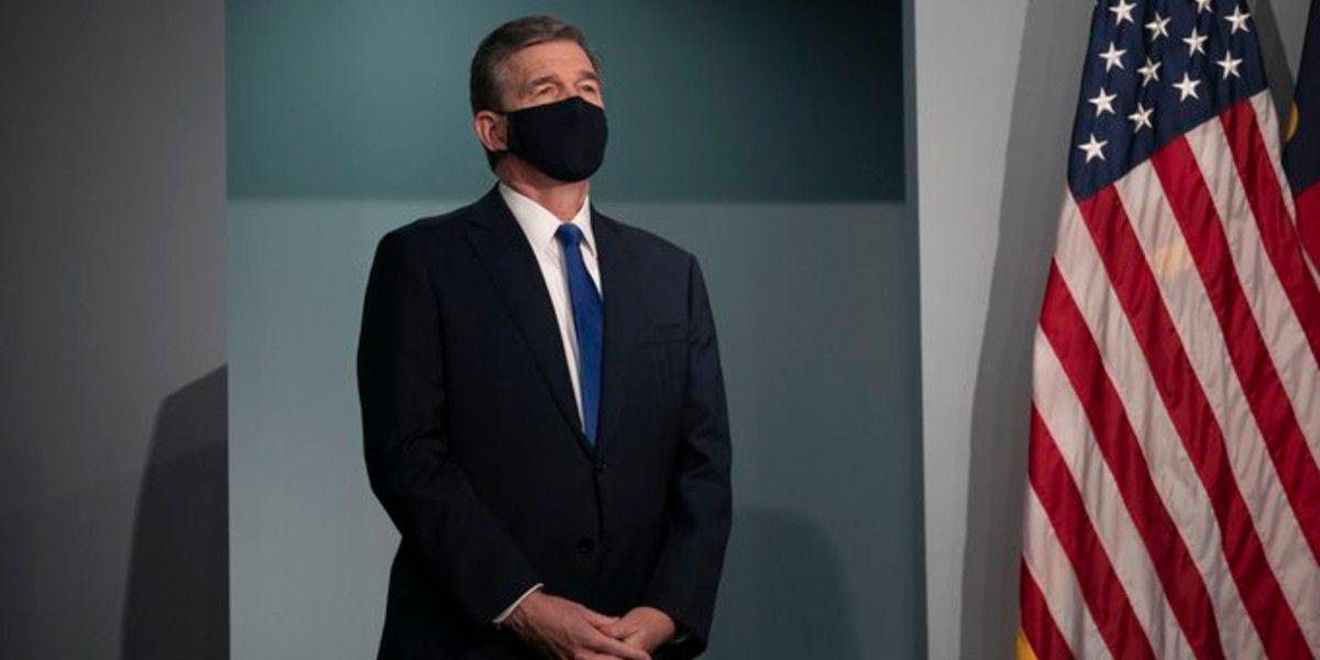 Gov. Cooper signs executive order to strengthen mask mandate in N.C.