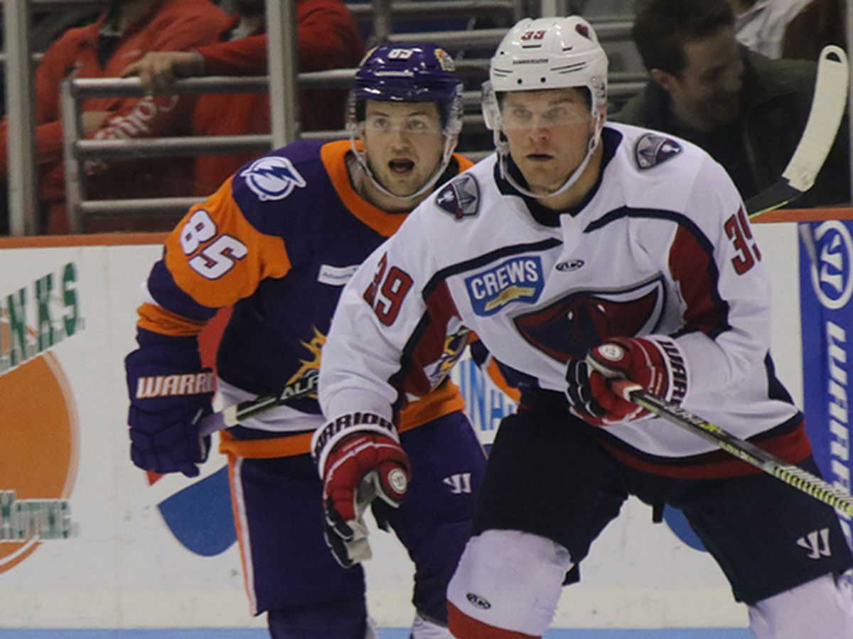 Solar Bears Score Late To Edge Past Stingrays
