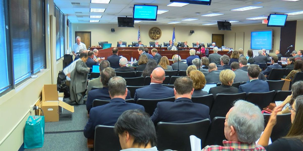 SCE&G apologizes to customers during first day of Public Service Commission hearing