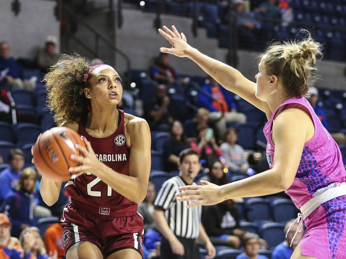 Gamecocks Notch 22nd Straight Win at Florida