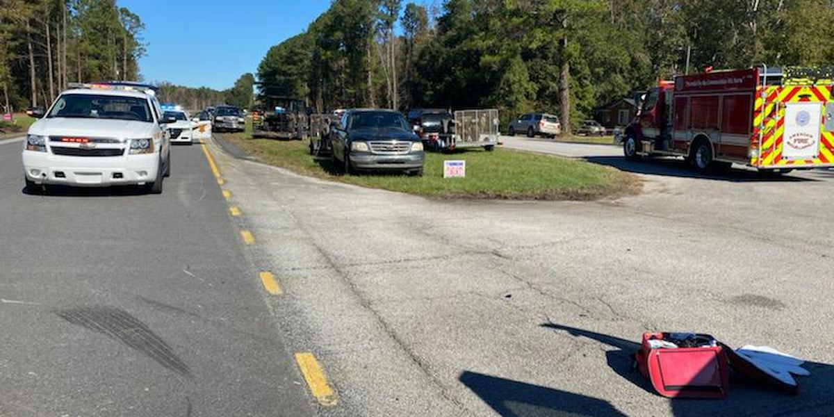 Crews respond to two-vehicle crash in Awendaw