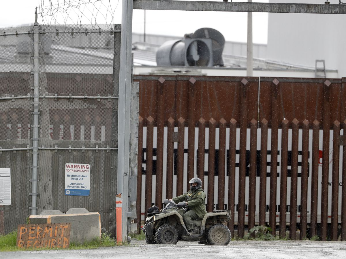 Trump quietly shuts down asylum at US borders amid coronavirus fight
