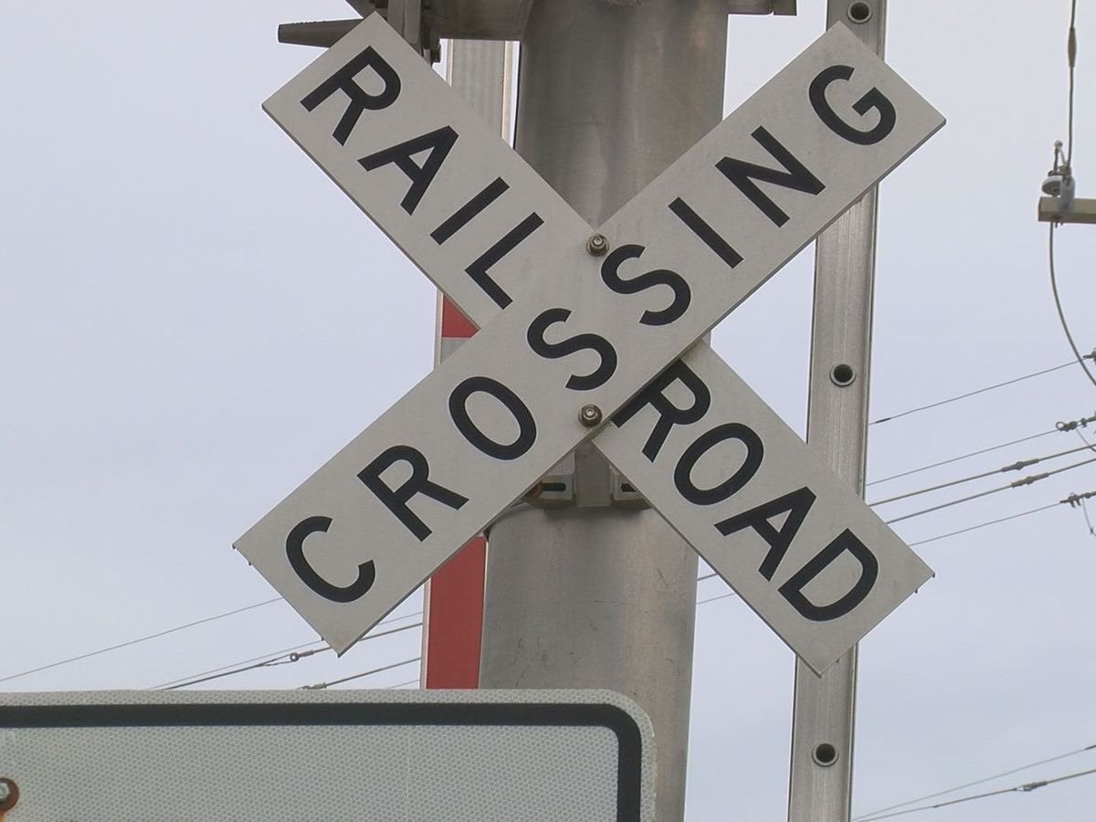 More railroad crossing closures planned for Tuesday in N. Charleston