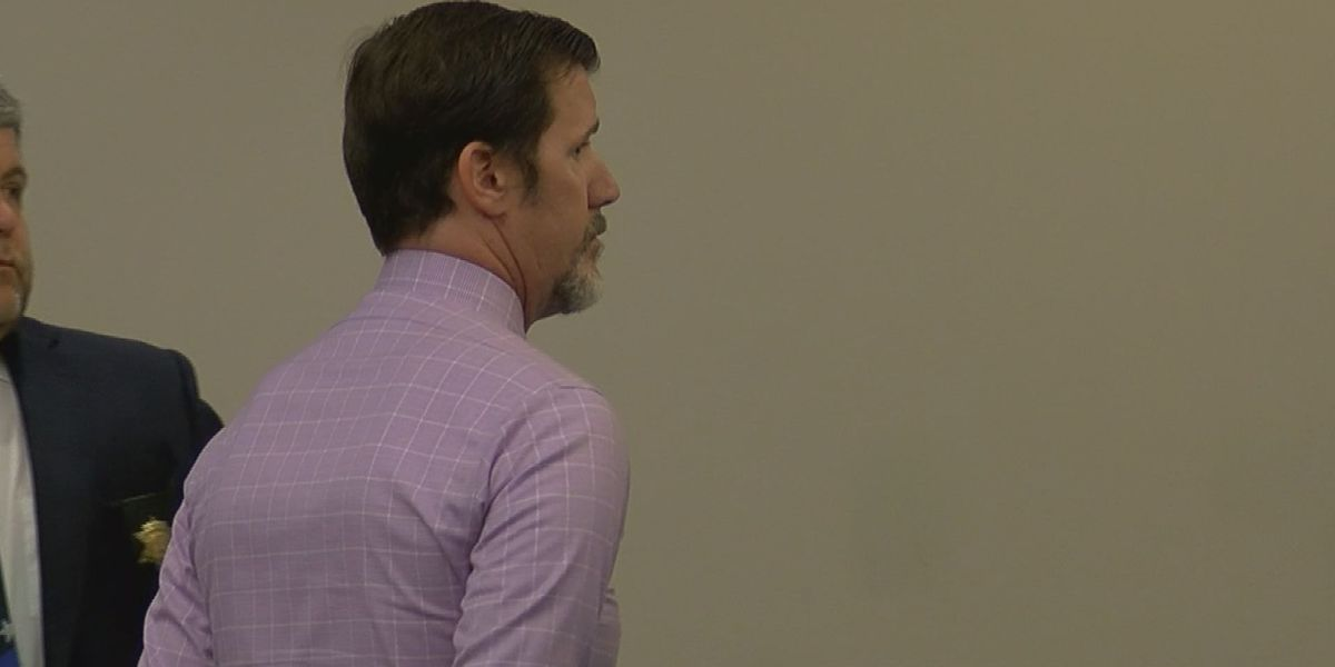 Former teacher pleads guilty to sexual battery with student