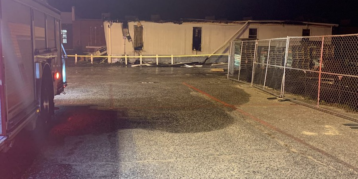Crews battle mobile classroom fire at Waccamaw High