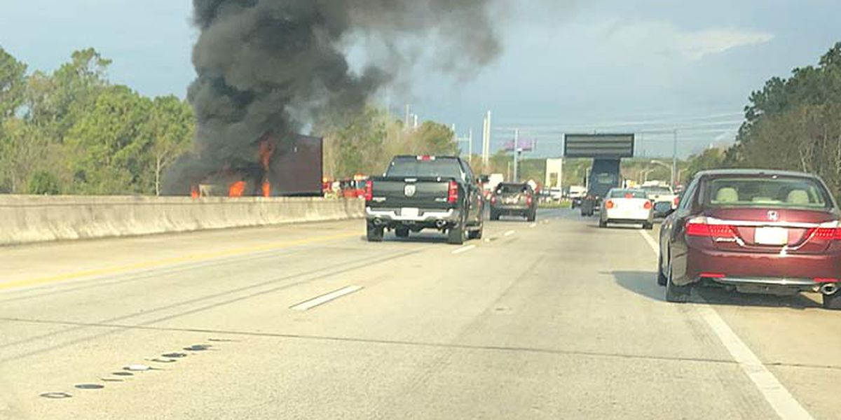 Westbound I-526 lanes reopen after vehicle fire, eastbound lanes blocked