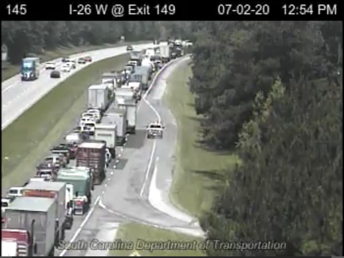 Westbound I-26 lanes closed in Orangeburg Co. following accident