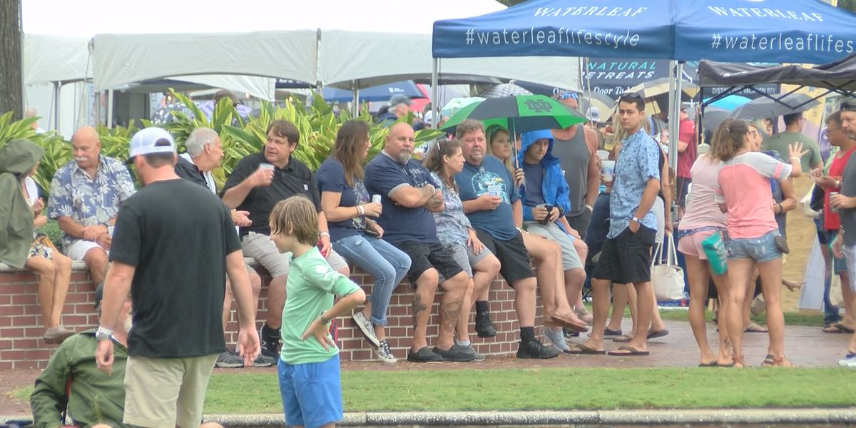Lowcountry residents feast on shrimp at Beaufort festival