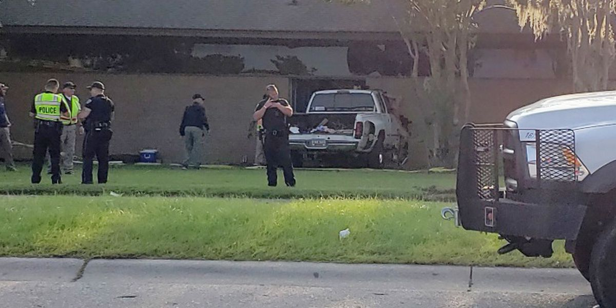 Truck crashes into a North Charleston dental office