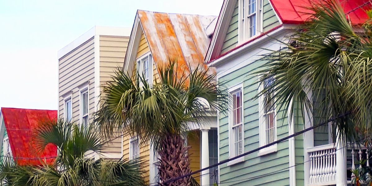 Property owners selling homes after failing to meet Charleston's short-term rental rules