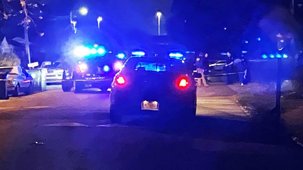 Charleston police investigating after man shot in West Ashley