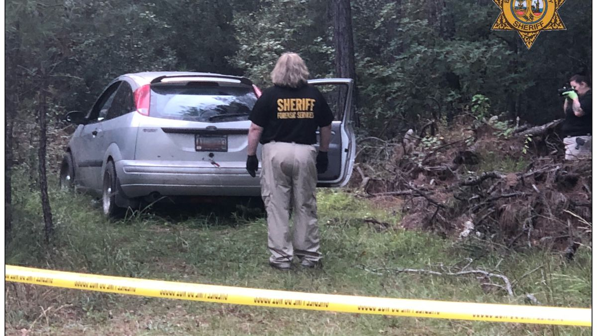 Deputies investigating after body found in car in Berkeley County
