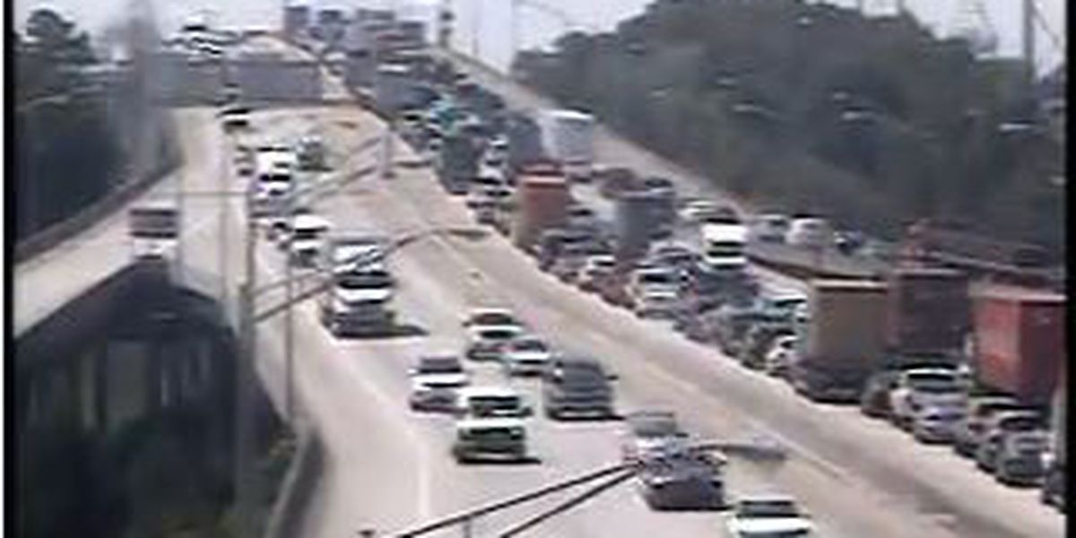 Traffic back to normal on I-526 following accident