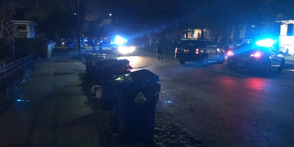 Man transported to hospital following shooting in Charleston