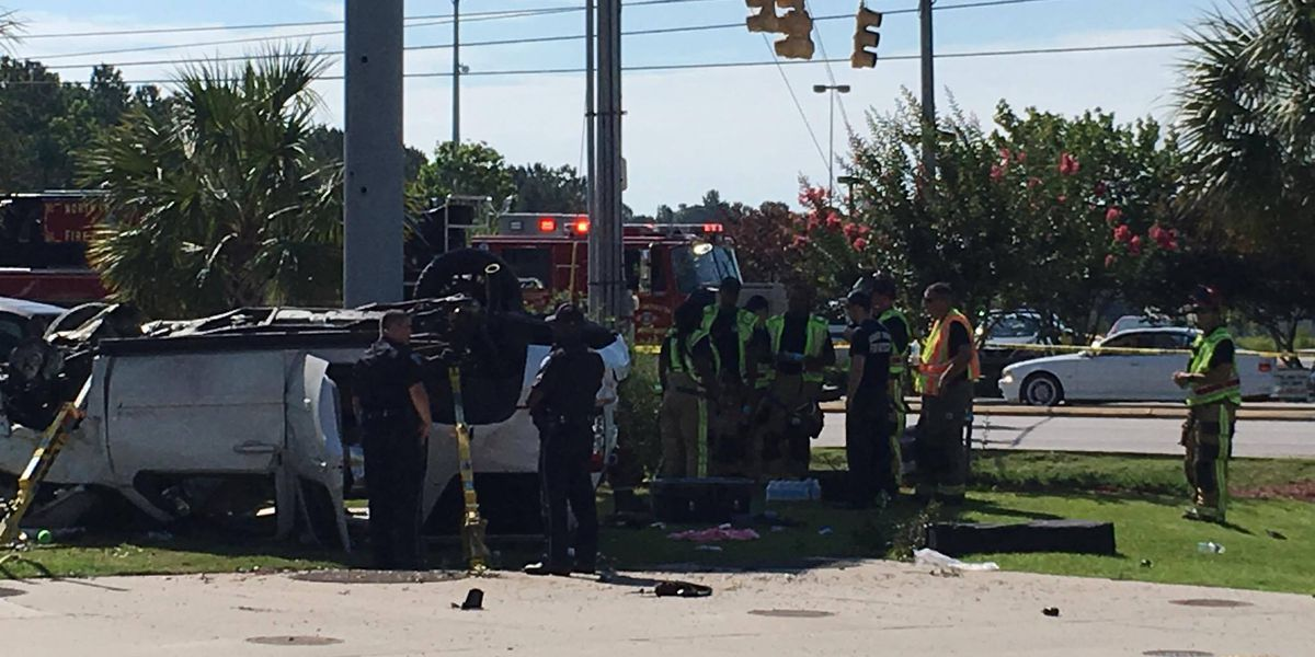 3 injured after multi-vehicle accident in N. Charleston ends with SUV flipping over