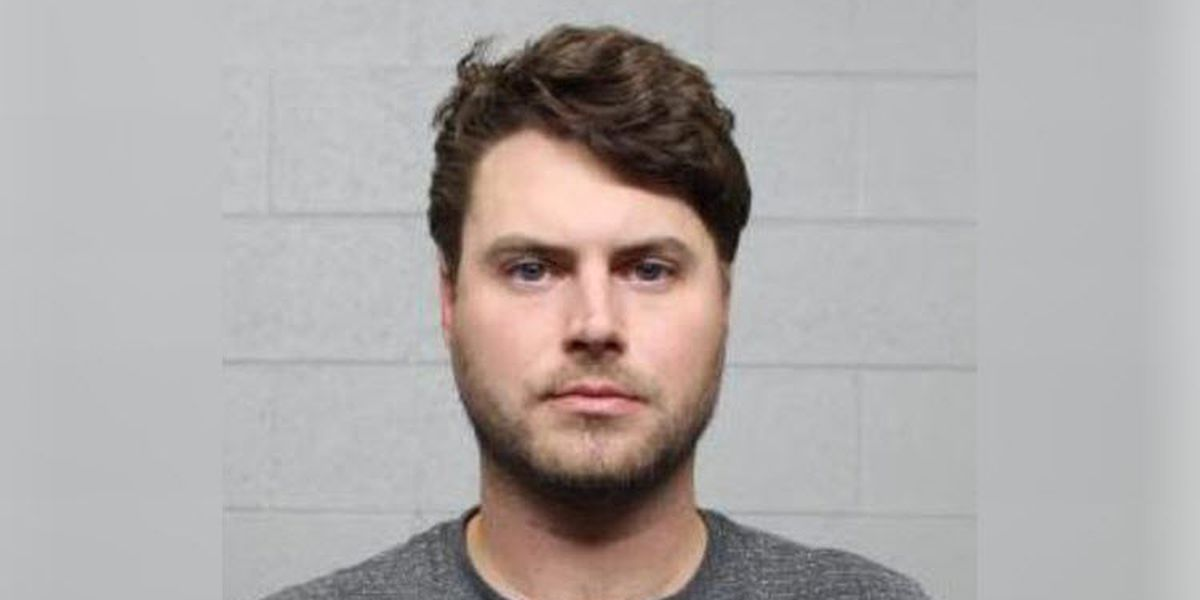 Man charged with unwanted sexual contact with passenger aboard Charlotte flight
