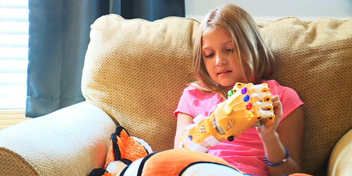 South Carolina girl's love for 'Nemo' lands her 3D-printed hand