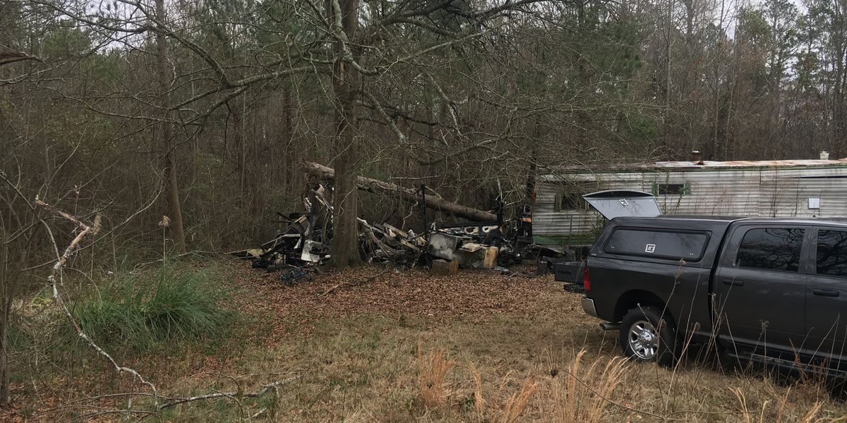 SC man dies after escaping burning home, getting struck by car